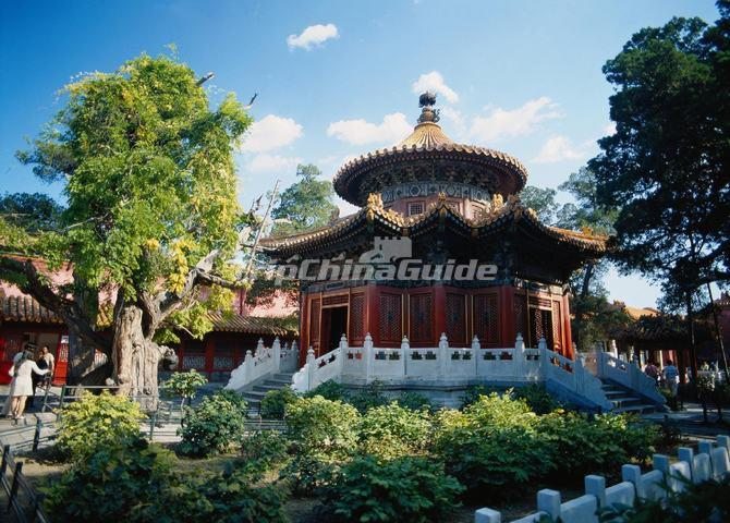 Pavilion of Myriad Springtimes (Wanchun ting)